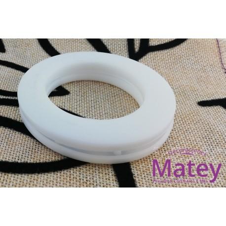OJILLO PLASTICO GRANDE BLANCO MATE, INTERIOR 45 MM EXTERIOR 73 MM MARCA DM.