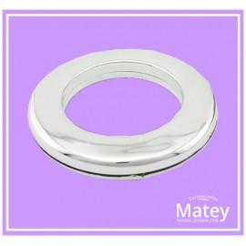 OJILLO PLASTICO GRANDE PLATA METALIZADO, INTERIOR 45 MM EXTERIOR 73 MM MARCA DM.